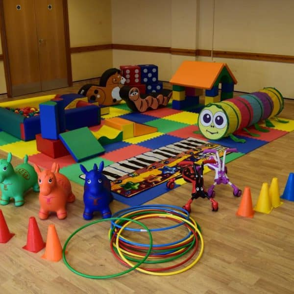 Jump and Play Enormous soft play party setup 7 600x600 Enormous Soft Play Party