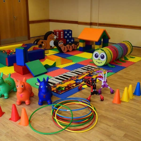 Jump and Play Enormous soft play party setup 9 600x600 Enormous Soft Play Party & Rainbow Bouncy Castle