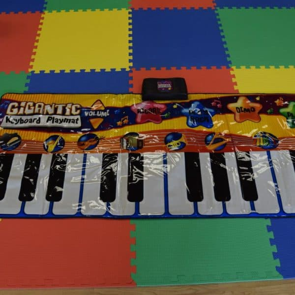 Jump and Play Giant Keyboard hire 1 600x600 Giant noisy piano keyboard