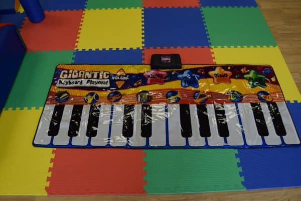 Jump and Play Giant Keyboard hire 3 Enormous Soft Play Party