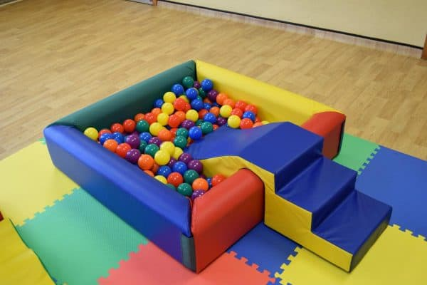 Jump and Play Soft Play Ball Pit or Ball Pool 5 Little People Soft Play Party